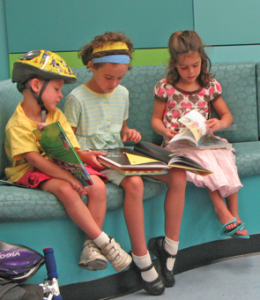 children reading free photo
