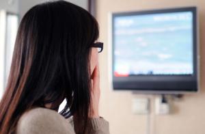 Women watching the news